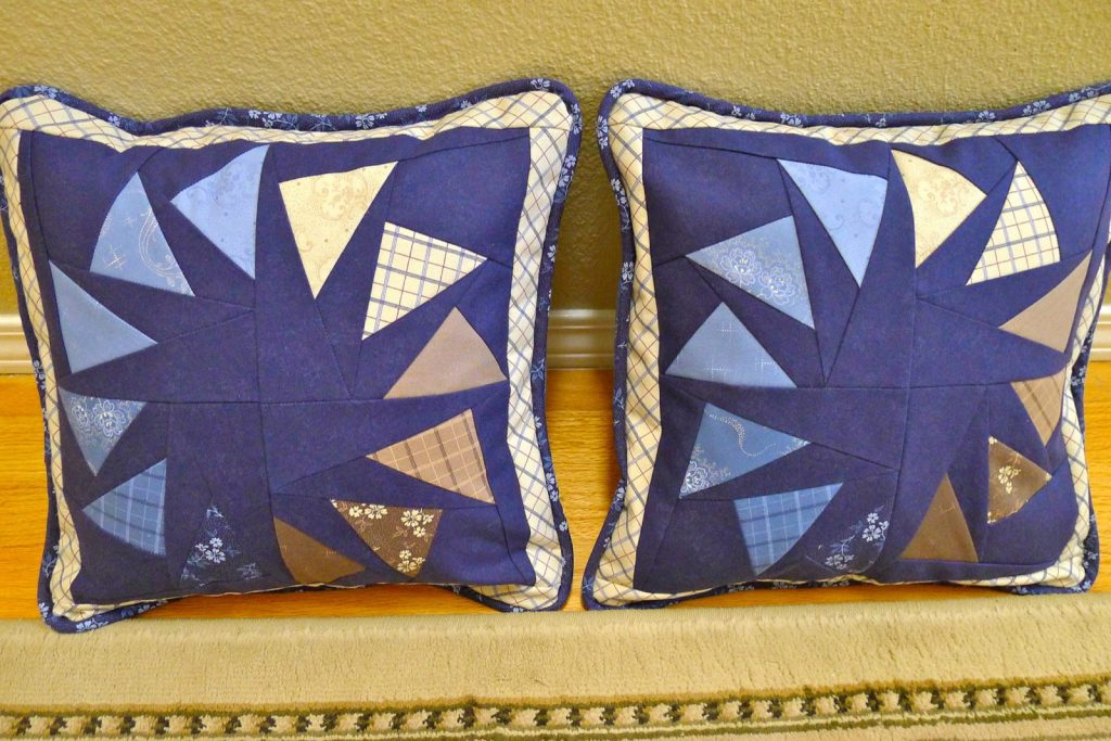 Paper pieced, Circle of geese pillows