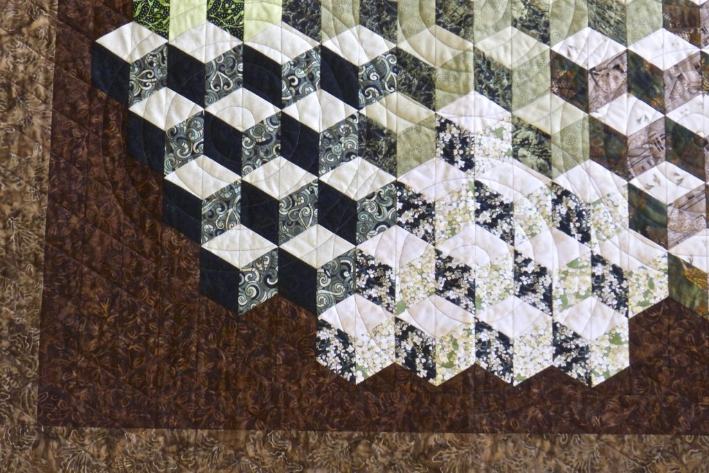 Tumbling Blocks quilt, Finished quilt detail
