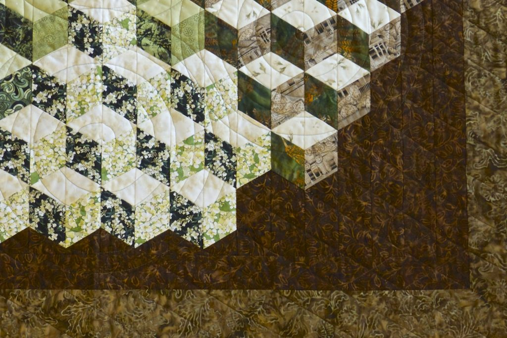 Tumbling Blocks quilt, Finished quilt detail 2