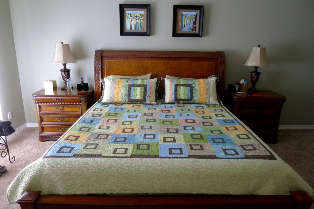 Sweet Pea quilt by Heather Mulder Peterson of Anka's Treasures, Finished quilt and shams